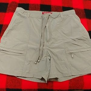 Gloria Vanderbilt hiking shorts